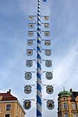 Wiener Platz mit Maibaum, Haidhausen, München, Bayern, Deutschland