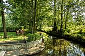 Familie im Garten, Familie, Ferienwohnung, Unterkunft, Urlaub, Sommer, Spreewald, Oberspreewald, Brandenburg, Deutschland
