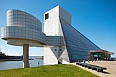 ROCK AND ROLL HALL OF FAME GREAT LAKES SCIENCE CENTER DOWNTOWN CLEVELAND SKYLINE OHIO USA.