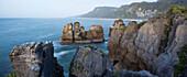 Rocky Coastline, Paparoa-Nationalpark, West Coast,  South Island, Tasman Sea, New Zealand, Oceania