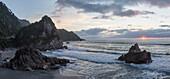 Rocky coast, West Coast, South Island, Tasman Sea, New Zealand, Oceania