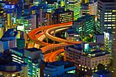 Stadtansicht in Richtung Hochstraße vom Mandarin Oriental, Nihonbashi, Tokio, Japan