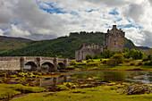Eilean Donan Castle, Front View, Bridge, Castle, Castle, Highlands, Scotland
