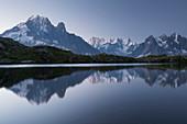 Lac de Cheserys, Aiguille Verte, Grandes Jorasses, Aiguille du Grépon, Aiguille du Plan, Haute-Savoie, France