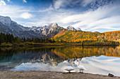 Lake Almsee in Almtal, Totes Gebirge, Salzkammergut, Upper Austria, Austria, Europe