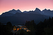Alpine Chalet Steinerhaus at Mount Stoderzinken, behind Mount Dachstein, Dachstein area, Styria, Austria, Europe
