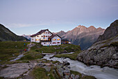 Alpenvereinshütte Neue Regensburger Hütte, Stubaier Höhenweg, Stubaital, Tirol, Österreich, Europa
