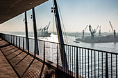 Morning atmosphere at the plaza Elbphilharmonie with view of the docks, Hamburg, Germany