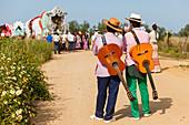 Pilgrims with guitars, El Rocio pilgrimage, Pentecost festivity, Huelva province, Sevilla province, Andalucia, Spain, Europe