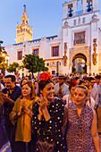 women singing, Giralda, return to Sevilla, El Rocio, pilgrimage, Pentecost festivity, Huelva province, Sevilla province, Andalucia, Spain, Europe