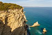 Steep coast, Parque Natural de la Brena, nature park, near Los Canos de Meca, near Vejer de la Frontera, Costa de la Luz, Atlantic Ocean, Cadiz province, Andalucia, Spain, Europe