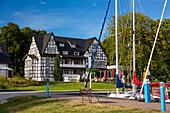 Hotel Hitthim im Ort Kloster, Insel Hiddensee, Mecklenburg-Vorpommern, Deutschland