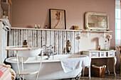 Shabby Chic Bathroom, Casa Rosalie, Colle San Bartolomeo, Liguria, Italy, Europe