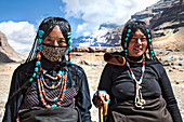 Khampa women at Dirapuk Monastery near Mount Kailash