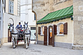 Hackney carriage and horse cab in the alley Seitzergasse in the historic old town of Vienna, Eastern Austria, Austria, Europe