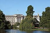 St. James Park und Buckingham Palace, Westminster, London, England