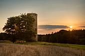 Spießturm, Ort der ersten Landtage bei Sonnenuntergang, nahe Spieskappel, Hessen, Deutschland, Europa