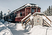 old train at Lake Louise, Bow Valley, Banff National Park, Alberta, Kanada, north america