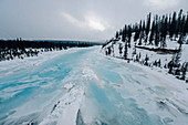 frozen river, Saskatchewan river crossing, Jasper National Park, Alberta, Kanada, north america