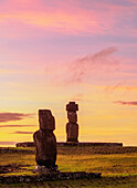 Moais in Tahai Archaeological Complex at sunset, Rapa Nui National Park, UNESCO World Heritage Site, Easter Island, Chile, South America