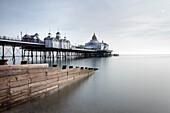 Langzeitbelichtung Bild von Eastbourne Pier, Eastbourne, East Sussex, England, Vereinigtes Königreich, Europa