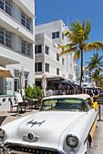 Ocean Drive, classic American car and Art Deco architecture, Miami Beach, Miami, Florida, United States of America, North America