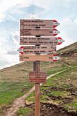Alta via numero 2 delle Dolomiti, Rifugio Genova, Val di Funes - Villnoesser Tal, Suedtirol - Alto Adige - South Tyrol, Italy, Europe