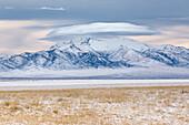 Linsenförmige Wolke über Star Peak, NV