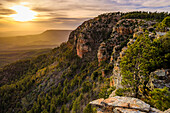 Majestic scenery with cliffs at sunset, Mogollon Rim, Arizona, USA