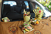 Indonesia, Bali, Denpasar, religious ceremony devoted to metal, offering to a car