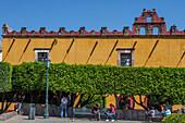 Mexico, State of Guanajuato, San Miguel de Allende, Plaza civica Allende, Colegio San Francisco de Sales