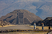 Mexico, State of Mexico, Teotihuacan archaeological pre-Columbian, 200 BC, UNESCO World Heritage. Pyramid of the Moon