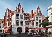 UNESCO World Heritage Hanseatic city of Wismar, gable roof buildings around the market square, Wismar, Mecklenburg-West Pomerania, Germany
