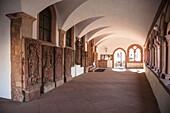 Kreuzgang im Stiftsmuseum der Stadt Aschaffenburg, Aschaffenburg, Spessart-Mainland, Bayern, Deutschland