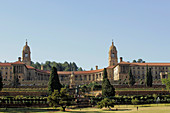 Africa, South Africa, Gauteng, Pretoria, Capital, the Union Buildings ( 1913 ), Seat of government, Architect: Herbert Baker, Statue: Nelson Mandela ( 2013 ), Park: Louis Botha
