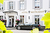 Bentley Sportcoupe Continental GT convertible in front of the hotel Louis C. Jacob, Hamburg, north Germany, Germany