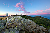 View from Richard-Wagner-Kopf to the radomes and to Grosser Seeriegel, Grosser Arber, Bavarian Forest, Bavaria, Germany