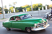 green oldtimer, Capitol, Kapitol, Capitolio, governmental seat, historic town, center, old town, between Habana Vieja and Habana Centro, family travel to Cuba, parental leave, holiday, time-out, adventure, Havana, Cuba, Caribbean island