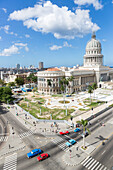 view from the roof of Hotel Saratoga to the Capitol, Kapitol, Capitolio, seat of government, historic town, center, old town, between Habana Vieja and Habana Centro, family travel to Cuba, parental leave, holiday, time-out, adventure, Havana, Cuba, Caribb