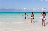 cuban female tourists on the most beautiful beach in Cayo Guillermo, Playa Pilar, sandy dream beach, turquoise blue sea, swimming, woman, family travel to Cuba, parental leave, holiday, time-out, adventure, Playa Pilar, Cayo Guillermo, Jardines del Rey, P