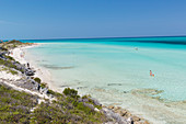 tourists on the most beautiful beach in Cayo Guillermo, Playa Pilar, sandy dream beach, turquoise blue sea, snorkeling, swimming, family travel to Cuba, parental leave, holiday, time-out, adventure, Playa Pilar, Cayo Guillermo, Jardines del Rey, Provinz C