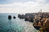Küstenlandschaft mit bunten Felsen, Ponta da Piedade, Lagos, Algarve, Portugal