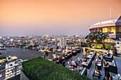 Millenium Hilton, 360 Rooftop Bar, skyline view point, Chao Praya River, skybar, Lounge, rooftop, bar, Bangkok, Thailand