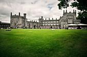 Schloss in Kilkenny, Schlosspark, Grafschaft Kilkenny, Irland, Europa