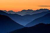 Mountain silhouettes at dawn with Berchtesgaden Alps, from Gindelalmschneid, Gindelalmschneid, Bavarian Alps, Upper Bavaria, Bavaria, Germany