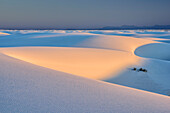 Weiße Sanddünen im ersten Licht, White Sands National Monument, New Mexico, USA