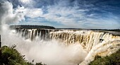 The Devil's Throat is a set of waterfalls 80 m high that are detached towards a narrow gorge, which concentrates the highest flow of the Iguazu Falls, being in turn these waterfalls with the highest flow in the world. Iguazú National Park and Reserve - Ig