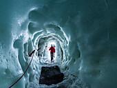 Gletscherhöhle Natur Eispalast, Ausgang, Hintertuxer Gletscher, Zillertal, Tirol, Österreich, Europa