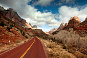 USA, Utah, Springdale, Zion National Park, Zion Canyon Scenic Drive Road winds through the valley floor