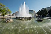 high jet fountain, Schwarzenberg Square 3. District highway, Vienna, Austria